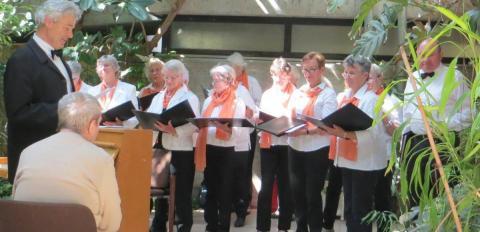 Chor des Bürgerforums Wangen im Wintergarten von St. Vinzenz